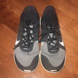 Woman's Nike shoes size 10